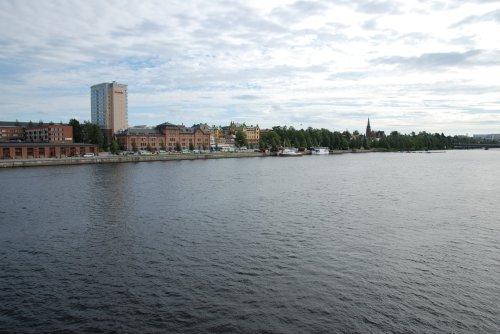 Malul stang la raului Ume